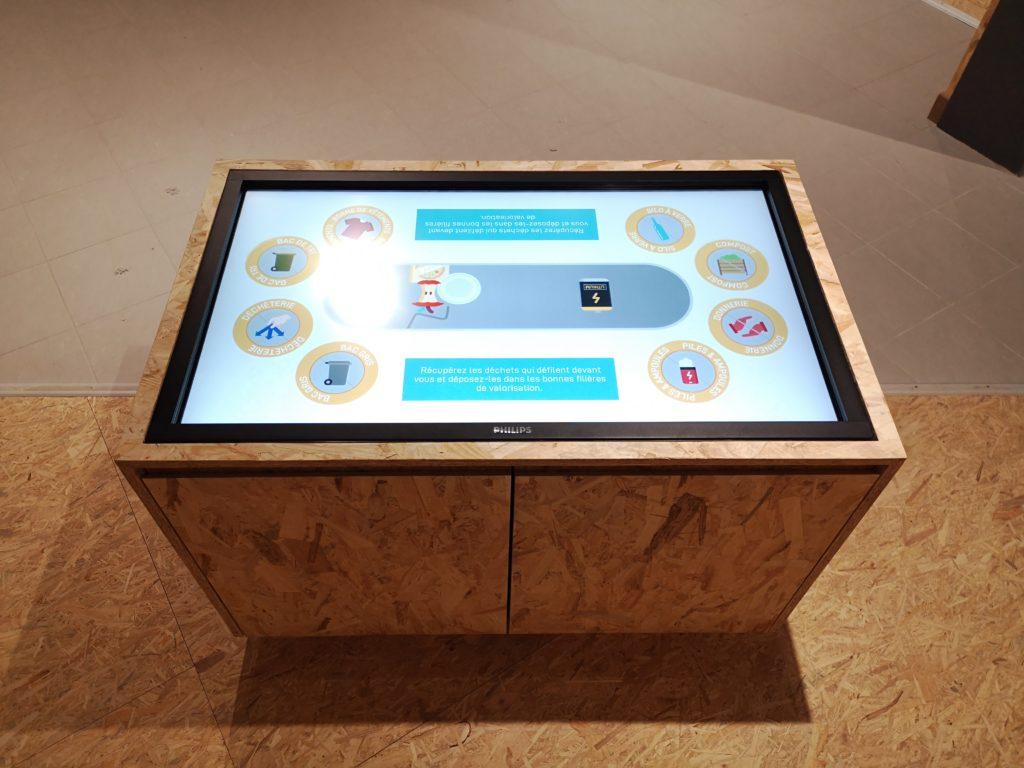 un film RSE en motion design pour informer les visiteurs de l'UTVE SUEZ LYON, par DOWINO